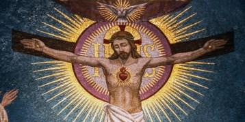 Philip Kosloski - How the Sacred Heart devotion is a summary of the spiritual life