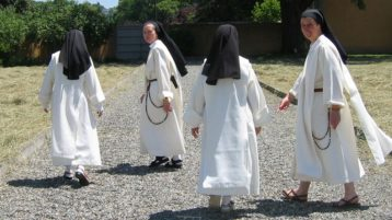 Gretchen Erlichman - The call of the cloister - The Dominican Sisters