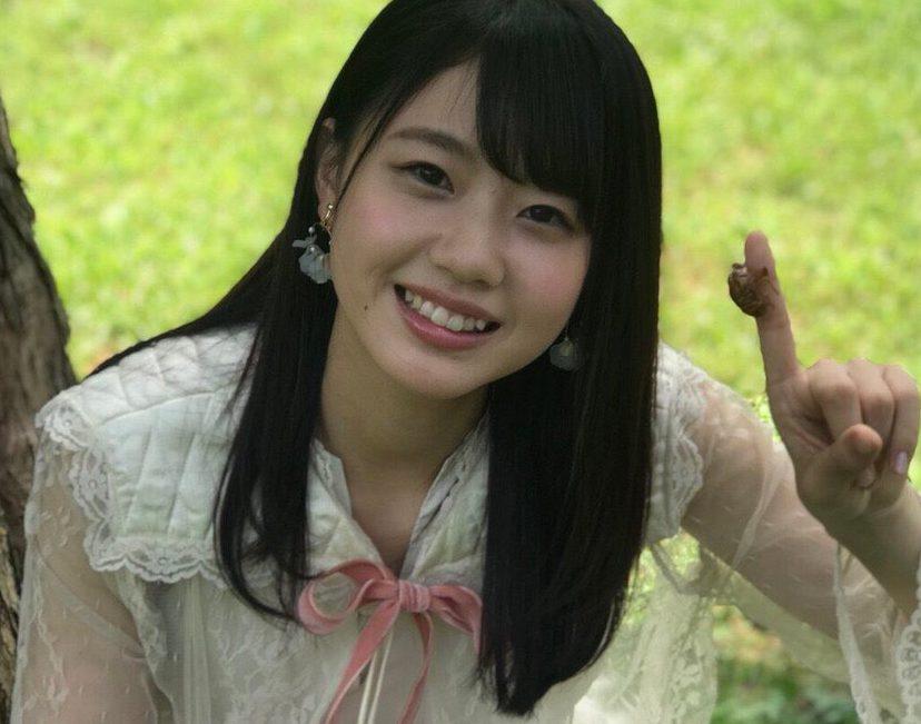 STU48 瀧野由美子『私のひと夏の出来事は  撮影の合間に  セミの抜け殻を探したことです🎐』