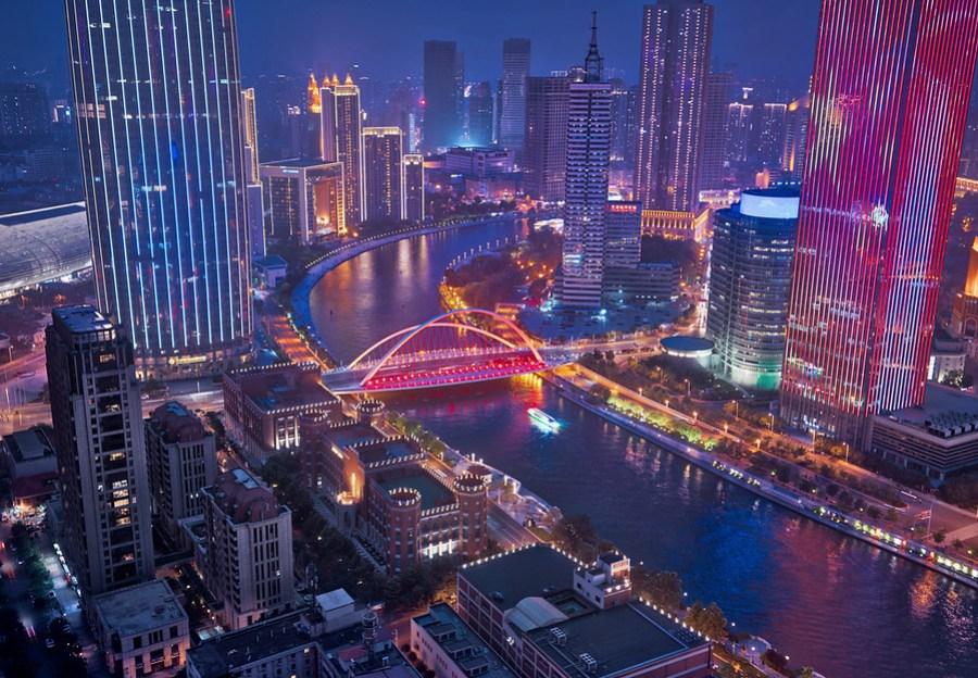 Tianjin – Stuck in Customs