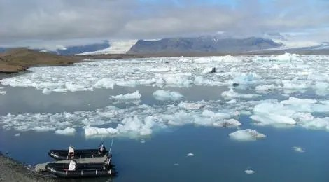 You can go on the Jökulsárlón lagoon on zodiacs or wheeled boats.