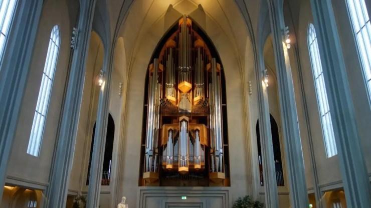 The altar of the Hallgrimskirkja cathedral.