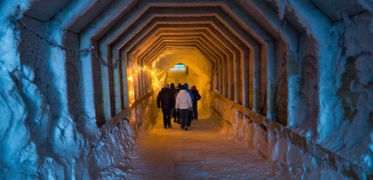 New Year's Eve in Reykjavik isn´t restricted to the capital of Iceland. You can also enter the glacier ...