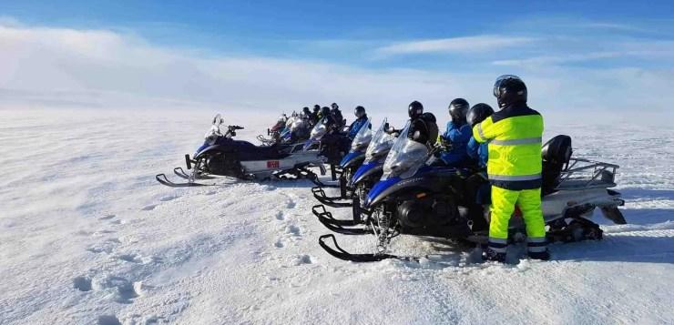 The crew of Iceland Travel staff that crossed Langjökull glacier