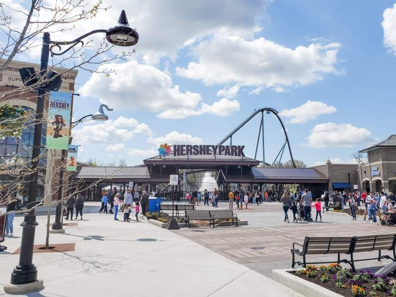 Hersheypark sign with roller coaster in the background
