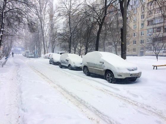Харьков и дальше будет заметать снегом, полиции поручено убрать с улиц машины 4