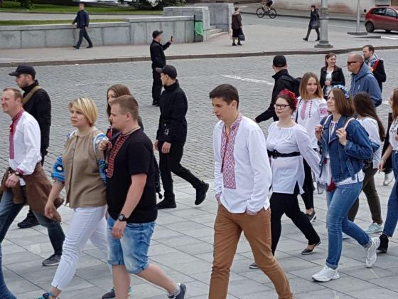 В Харькове прошёл марш вышиванок 16