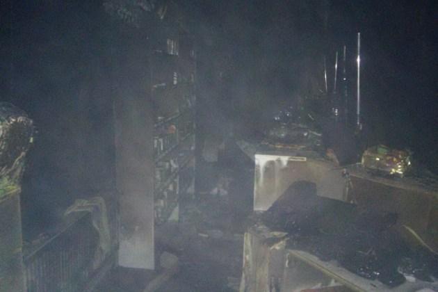 За выходные в Харькове подожгли магазин и аптеку 6