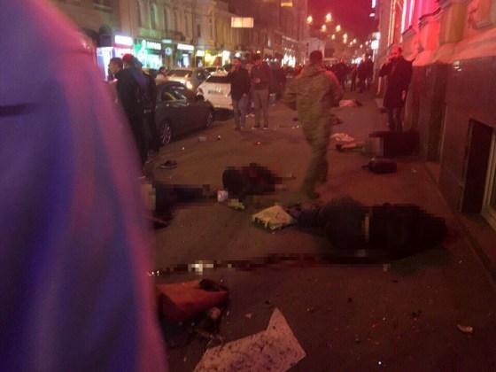 ДТП в центре Харькова: автомобиль влетел в толпу пешеходов 9