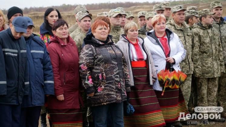 На горе Карачун открыли памятник Небесной Сотне и добровольцам, участвовавшим в освобождении Славянска 4