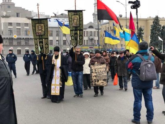 В Харькове состоялось траурное шествие памяти жертв Голодомора 2