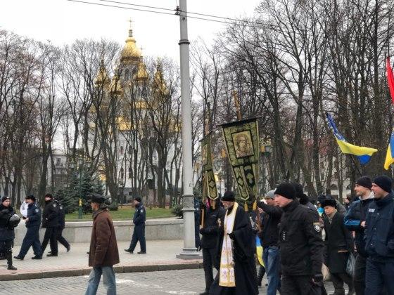 В Харькове состоялось траурное шествие памяти жертв Голодомора 8
