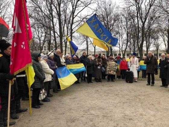 В Харькове состоялось траурное шествие памяти жертв Голодомора 16