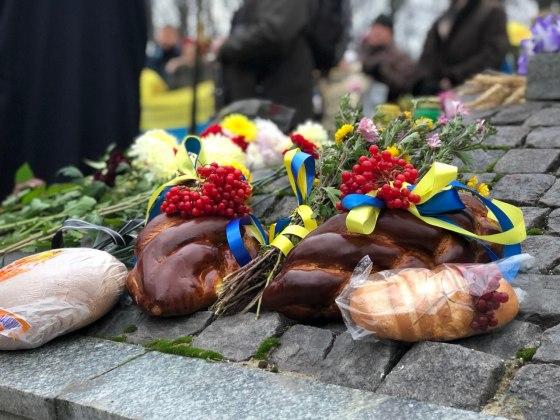 В Харькове состоялось траурное шествие памяти жертв Голодомора 23