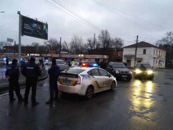В Харькове неизвестный захватил отделение почты 5