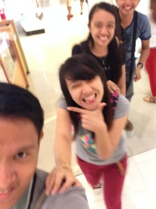 3J + Jaiza  goofing around at Abreeza Ayala Mall