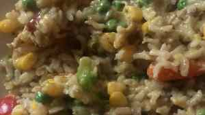 Multicoloured Thai green curry