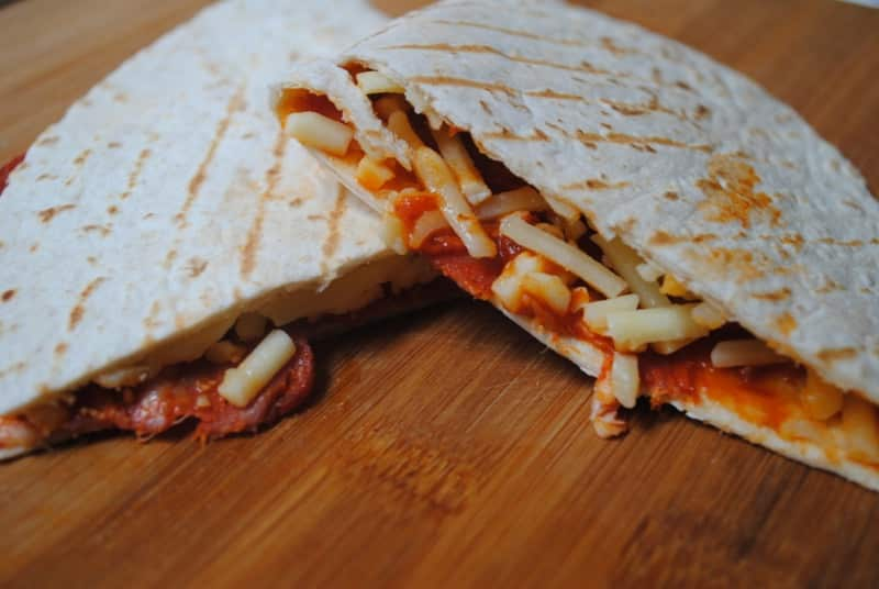 Simple and fast pizza wrap