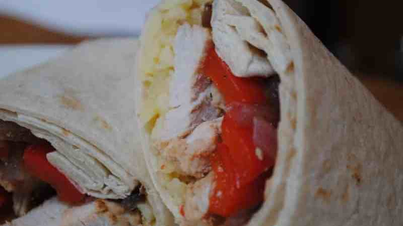 Hot and spicy chicken wraps