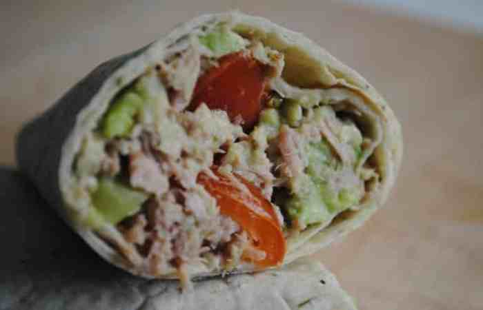 Healthy Tuna and Avocado Salad Wraps