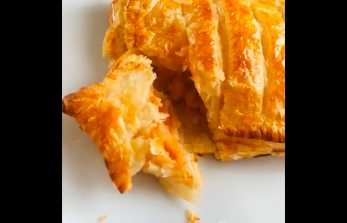 Greggs Sausage, Bean and Cheese Melt recipe - 4