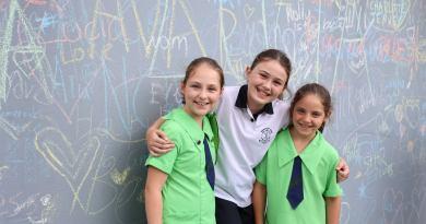 Somerville House Students Write 'Gratitude Graffiti'