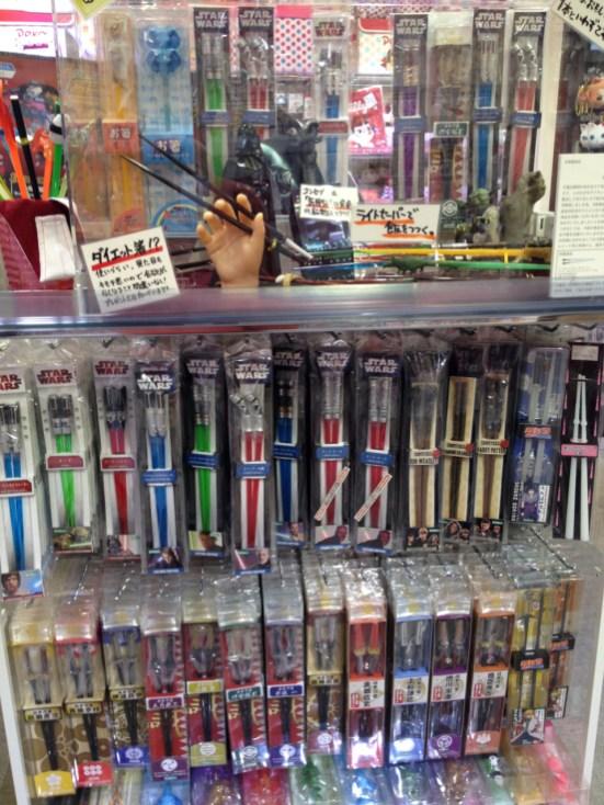 Bacchette (hashi) a forma di spada laser e quant'altro...