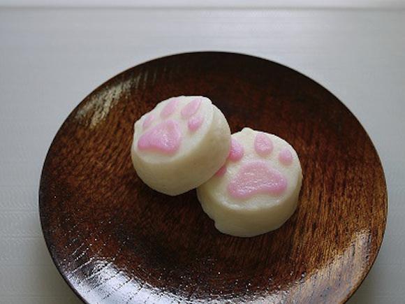 Questo che sembra un dolce è in realtà pasta di pesce! (kamaboko)