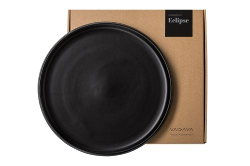 black-dinner-plate-eclipse