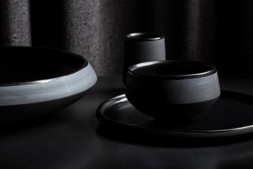 melna-keramika-vaidava-blodas