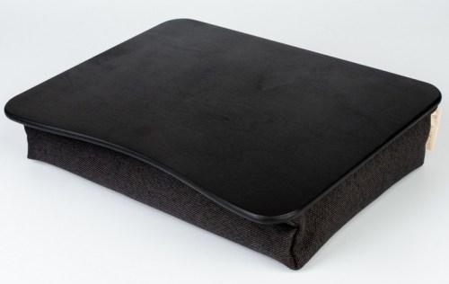 melna-spilvenpaplate