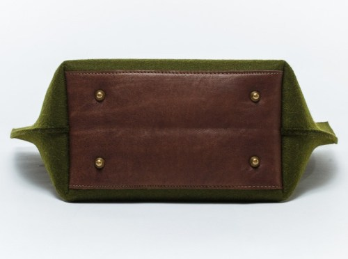 simply-felt-bag-green-leather
