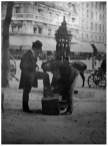Fontaine Wallace, Paris, 1899 Photographie de Eugène Atget, Archive BNF.