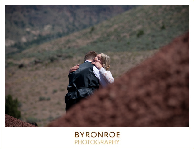 painted-hills-oregon-spray-wedding-photography-saramatt-2