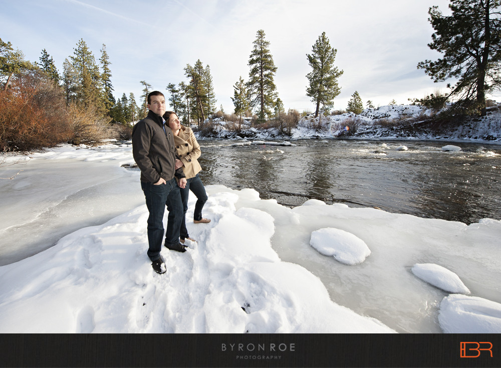 DiannaJohn-Engagement-Photography-DillonFalls-Bend-Or-ByronRoePhotography-7