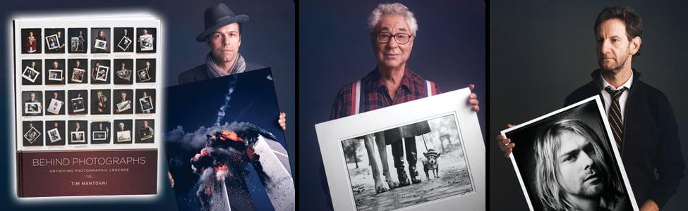 Des photographes posent avec leur photos
