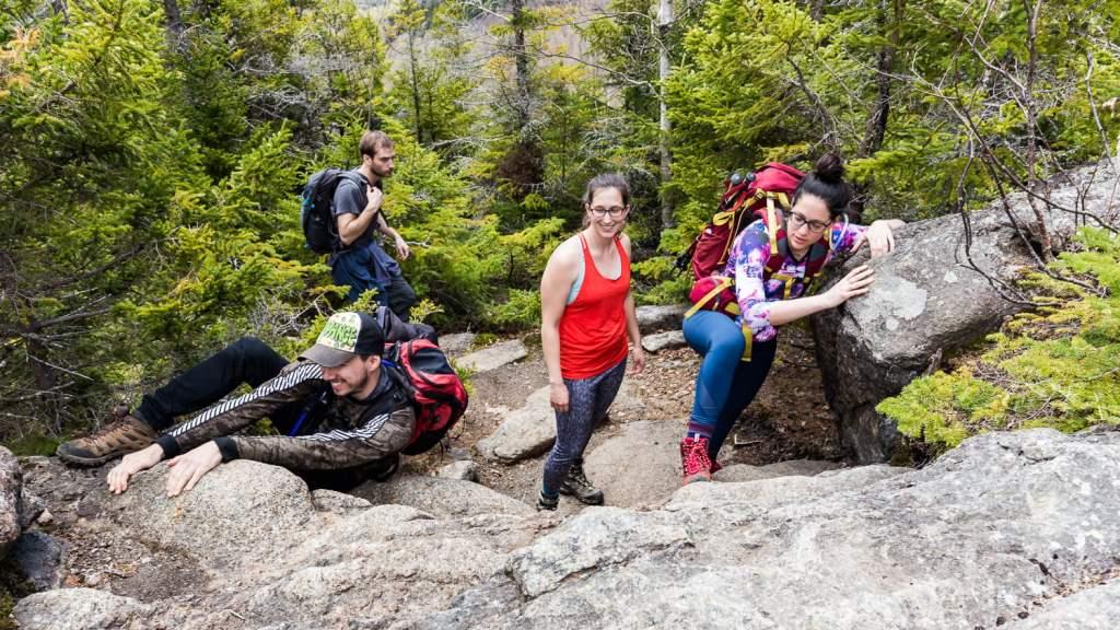 Notre groupe monte la montagne Big slide
