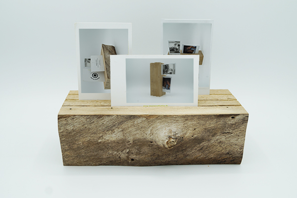 Creation originale en chute de noyer, bois massif avec écorce, porte-photo artisanal et ethique, fabrication artisanat et design paris