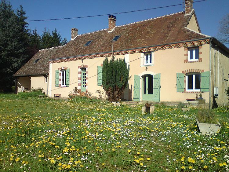 BAM-Gite-printemps-2-Studio-residentiel-La-Boite-a-Meuh
