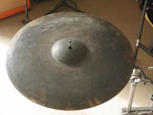 studiolaboiteameuh-cymbale-stagg-black-metal-rock-ride-20