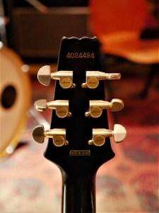studio-la-boite-a-meuh-aria-pro-II-CS-black-&-gold