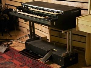 studio-la-boite-a-meuh-orgue-hammond-l100p