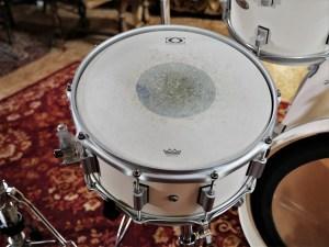 studio-la-boite-a-meuh-drumcraft-serie-8-birch-caisse-claire-dessus