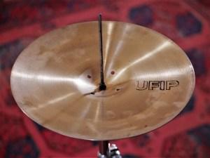 studio-la-boite-a-meuh-cymbales-ufip-ritmo-charleston-bottom-interieur