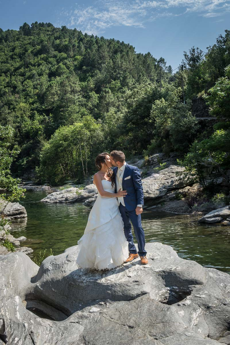 004_couple_baiser_kiss_book_mariage-par-ludovic-maillard-studio-sud_162554_
