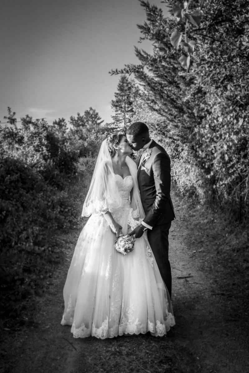 018_lm_20190824-192308_baiser_mariage_par-ludovic-maillard_studio-sud