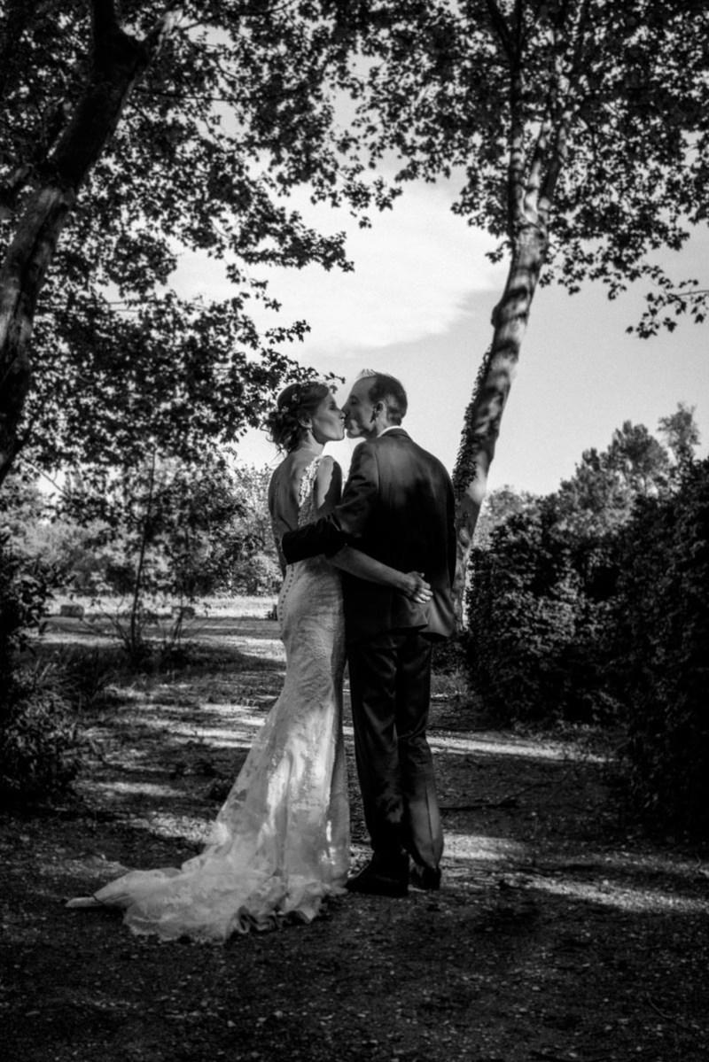 024_lm_20170429-174740_baiser_mariage_par-ludovic-maillard_studio-sud