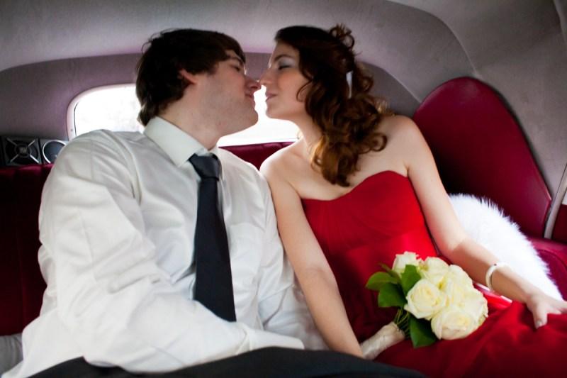 031_lm_20111029-161426_baiser_mariage_par-ludovic-maillard_studio-sud