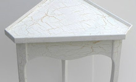 Painted Cottage Furniture – Follow Along With This Corner Table Project Done In A Beach House Style