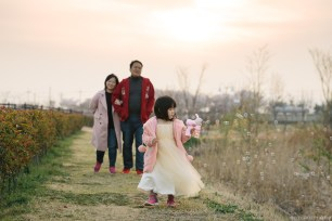 Busan Gamcheon Village Cherry Blossom Family Photographer-20